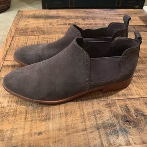 G. H. Bass & Co. Brooke Chelsea Booties - Size 9